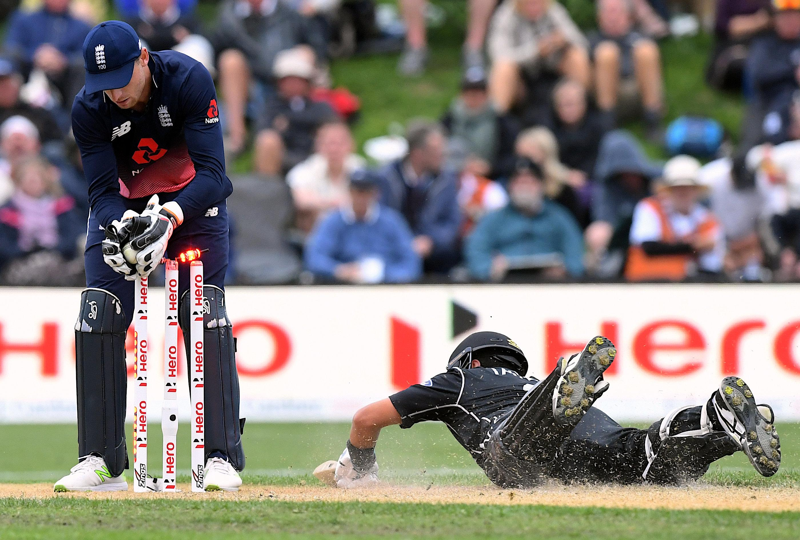 Ross Taylor had a couple of close calls but England failed to get the wicket
