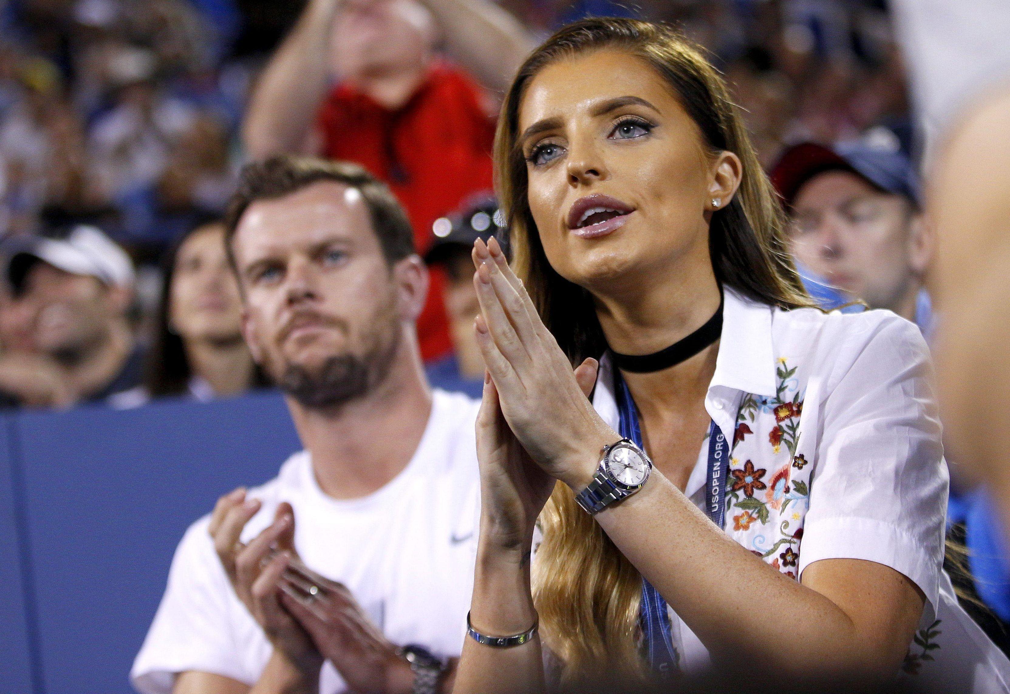 Dan Evans' girlfriend Aleah cheers him on during US Open