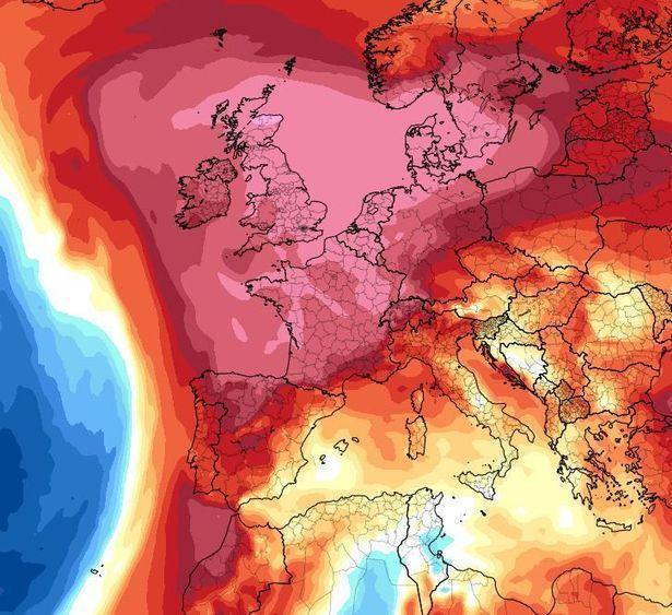 London Marathon runners face the risk of collapsing before the finish line as an 'African plume' heatwave is forecast for race day