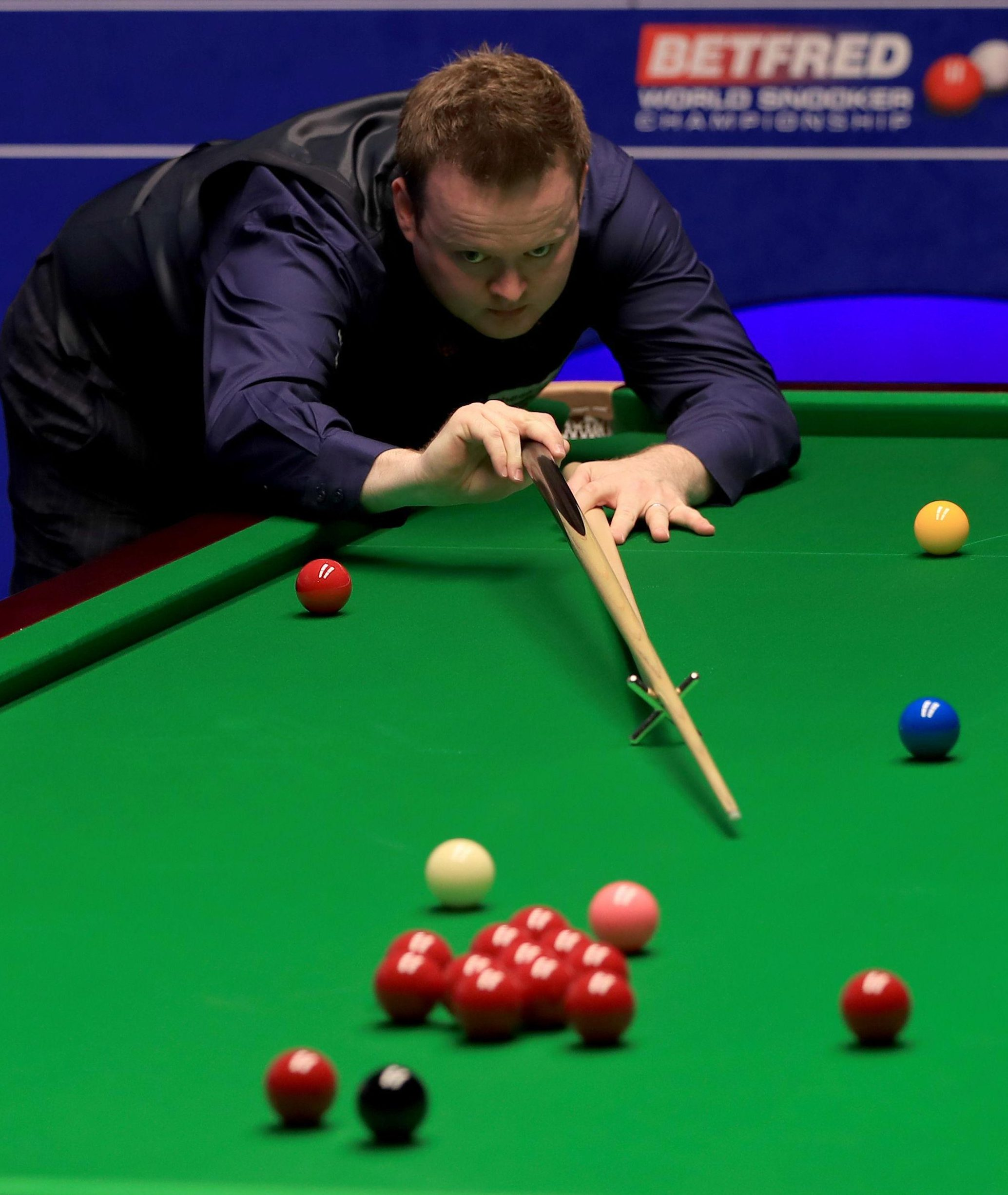 Eigth seed Shaun Murphy stared down the barrel of defeat as he lost to Jamie Jones in the Crucible first round for the second time in six years