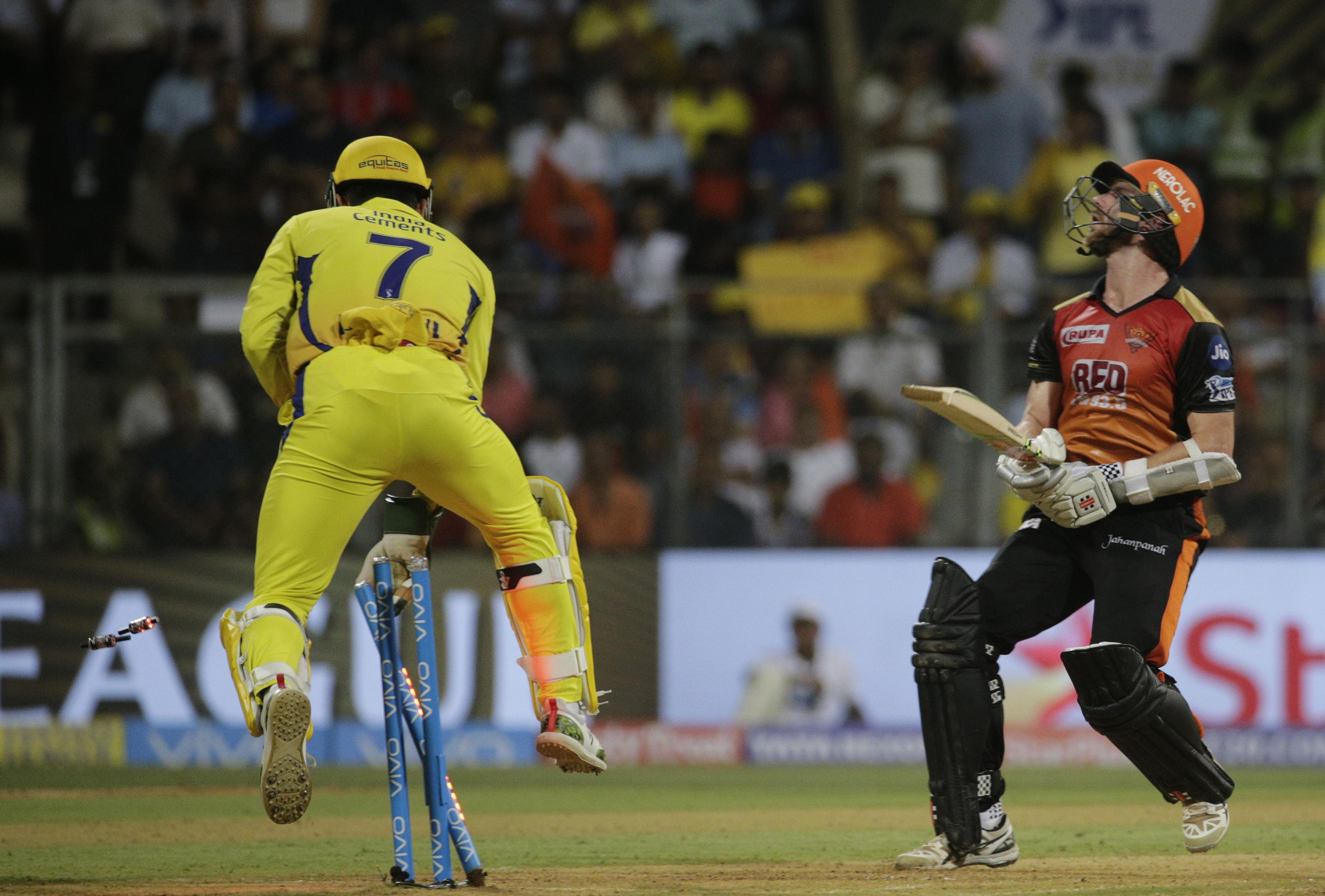 Sunrisers Hyperabad set CSK a target of 179 runs to win in the IPL final