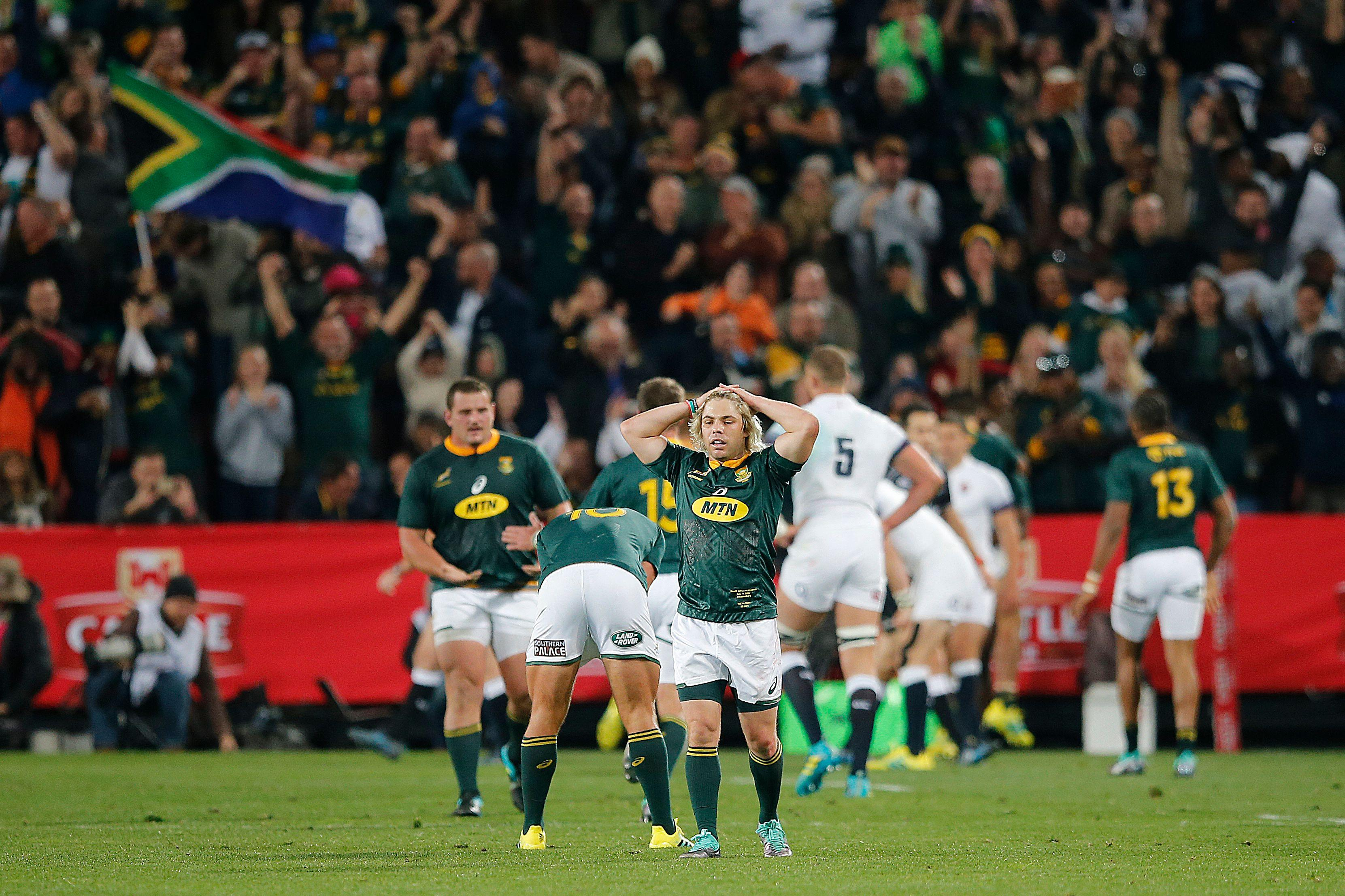 South African fly-half Fa de Klerk reacts after England raced into a 21-point lead