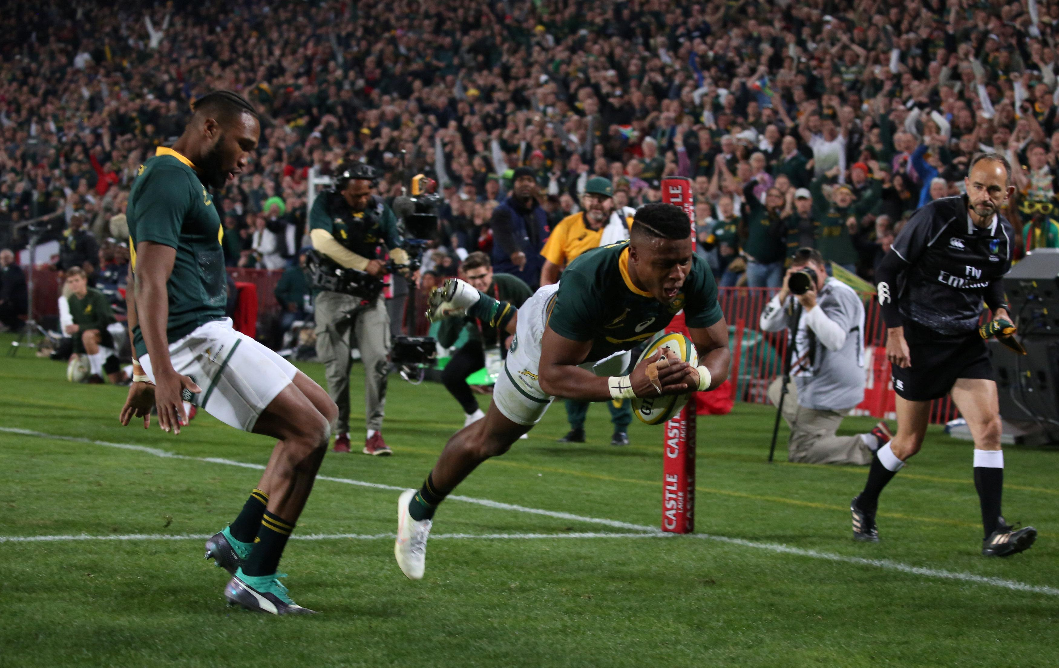 South Africa roared back after a dodgy start to pip England