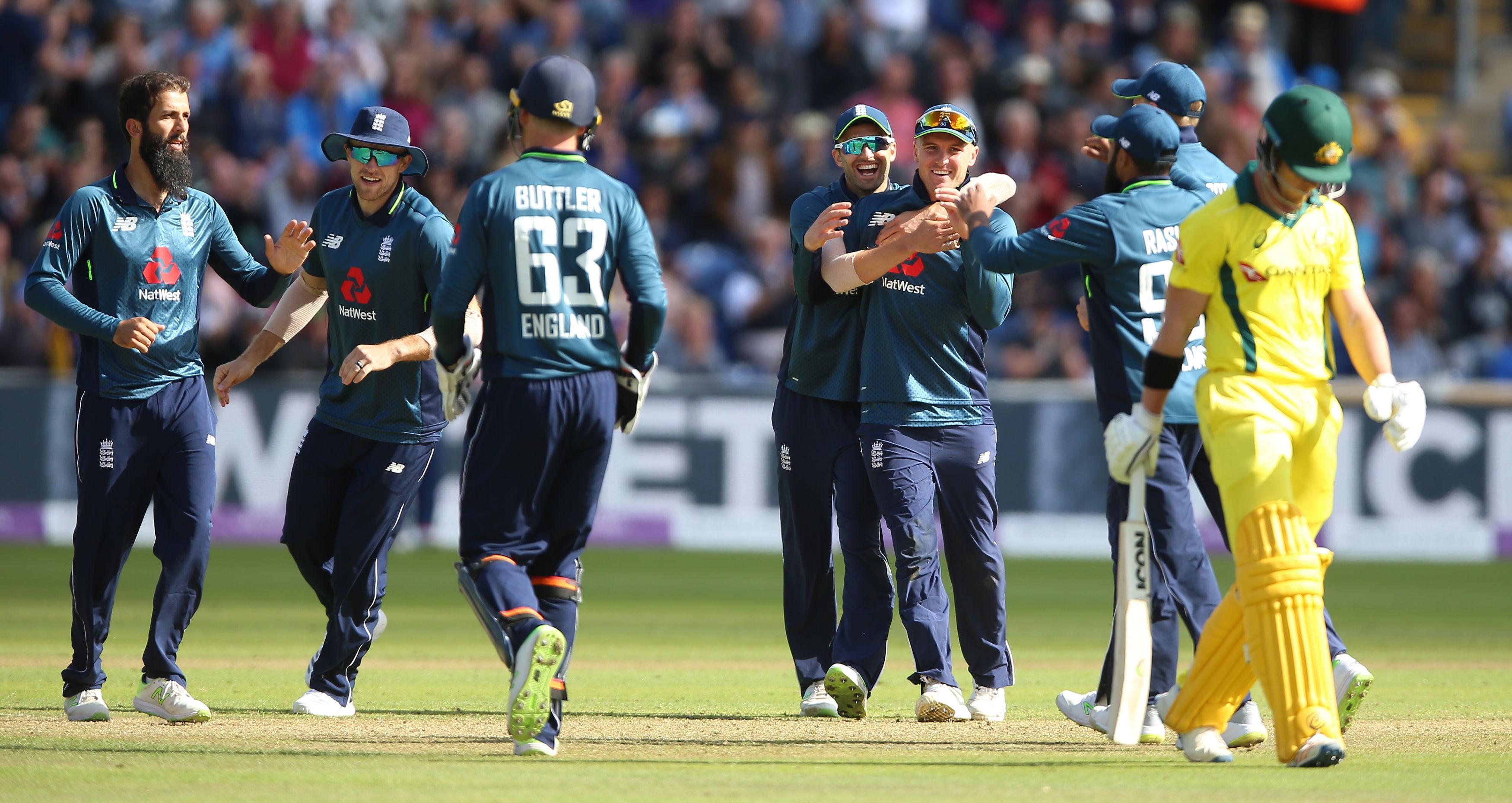 England swept aside Australia to move into a 2-0 series lead