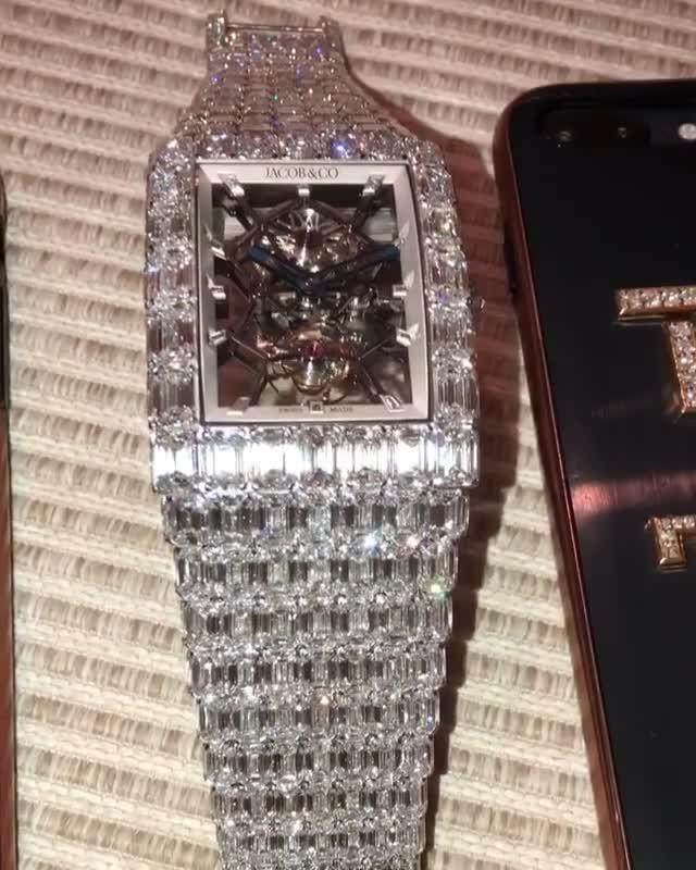 Floyd Mayweather's latest purchase set him back a cool £13.75million