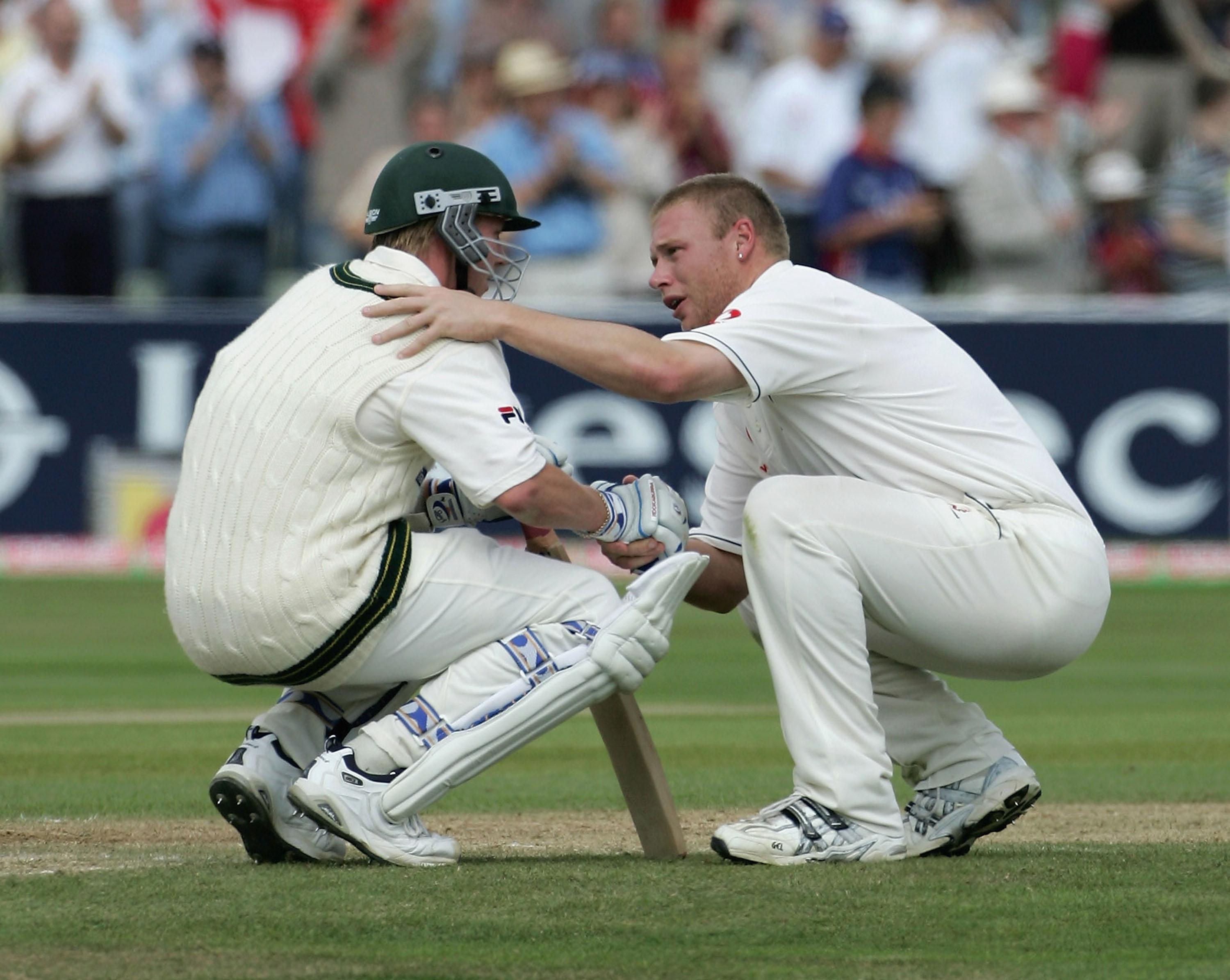 Andrew Flintoff commiserates with Brett Lee after England's 2005 Test win