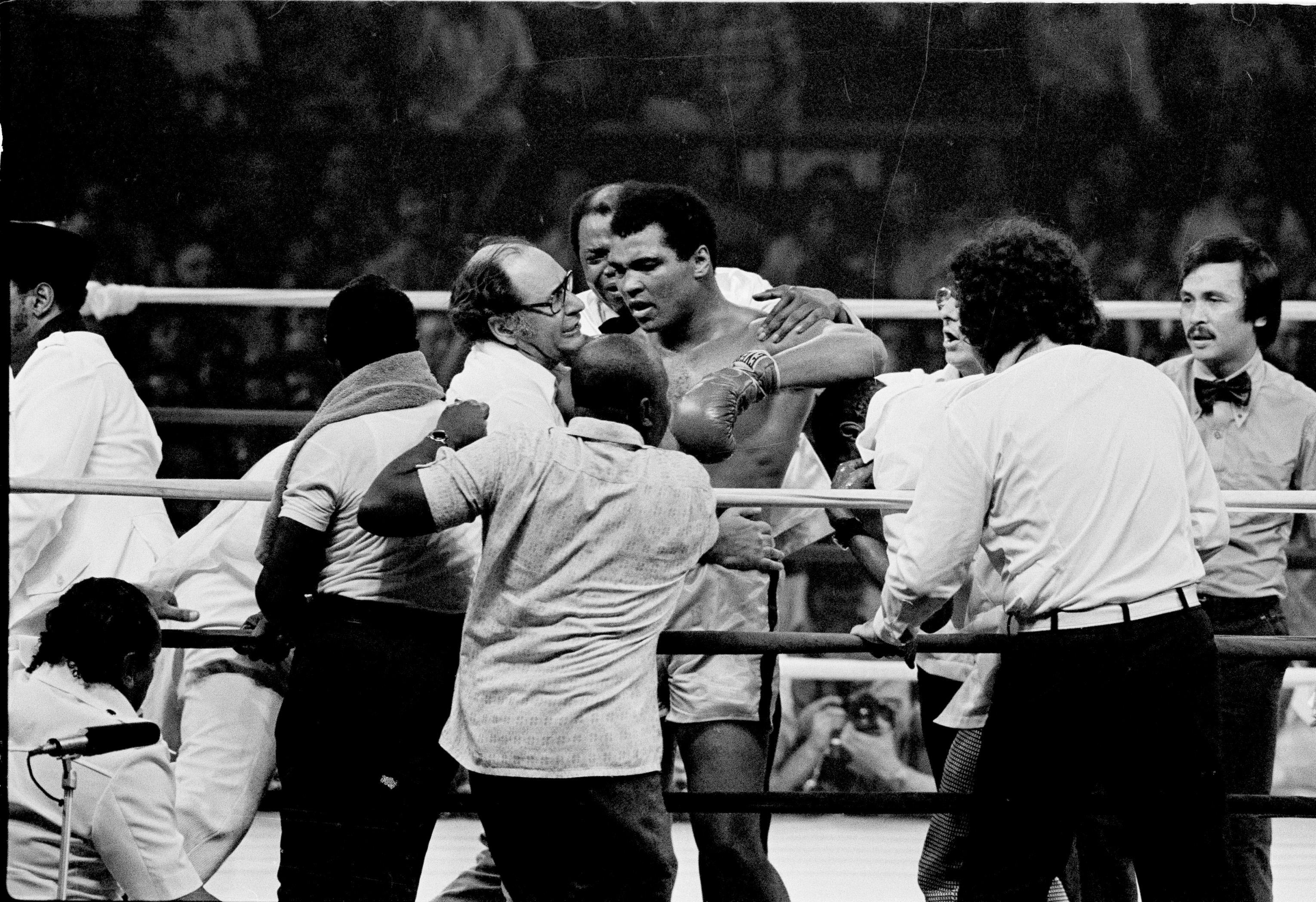 Muhammad Ali's shocking comeback defeat to Larry Holmes brought a lump to the throat of SunSport boxing columnist Colin Hart