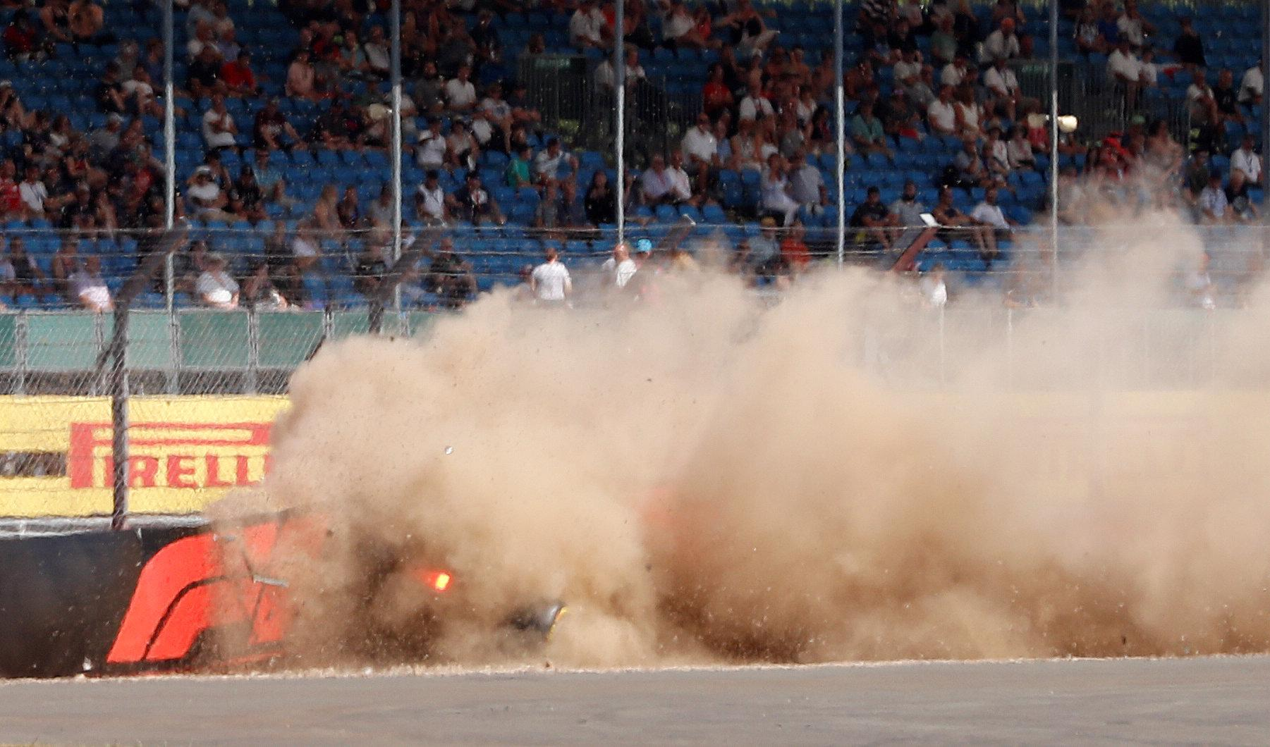 A huge cloud of smoke and dust emerged after the crash