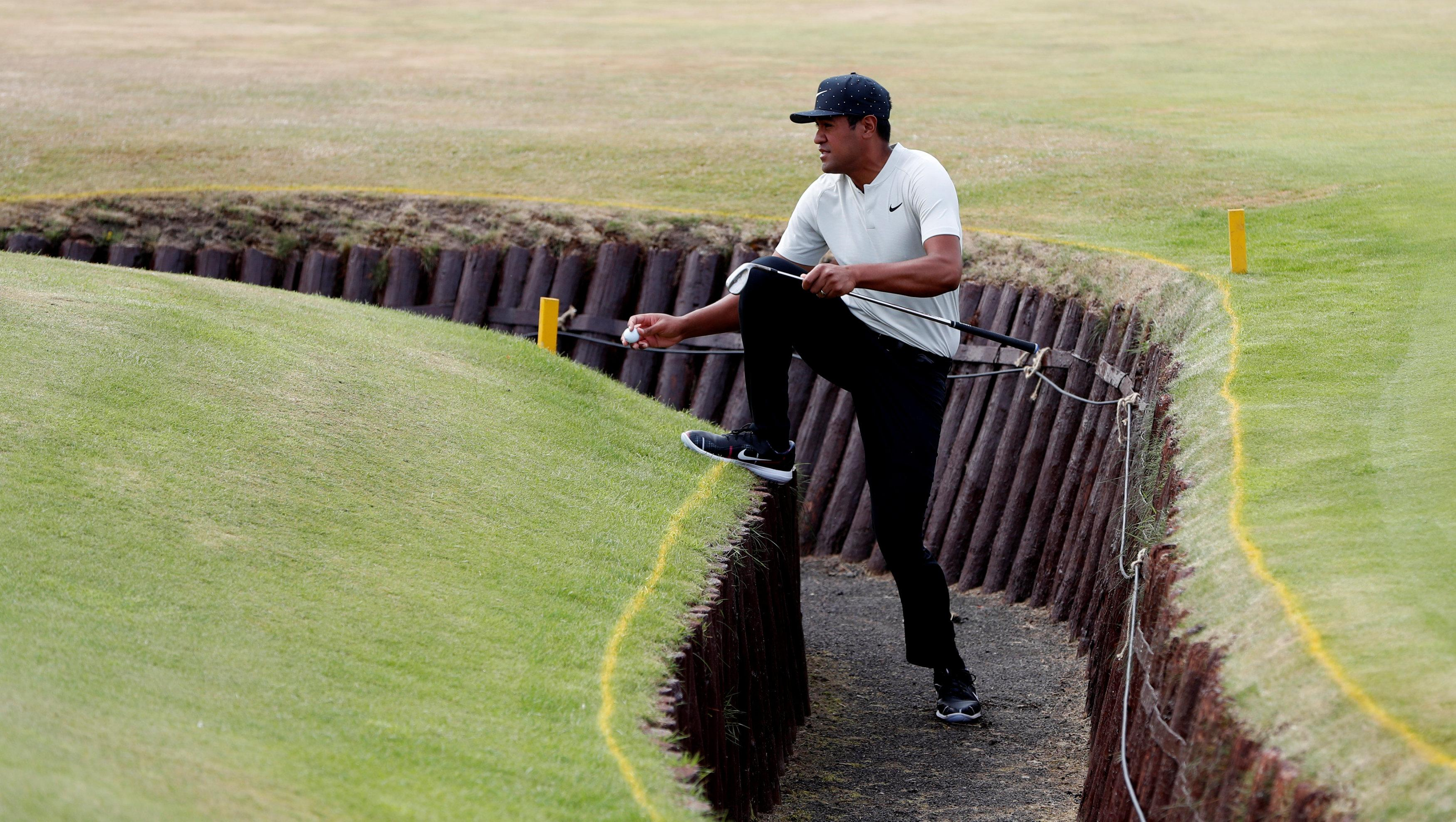 Finau floundered at the third on Saturday, finding a burn as he eventually bogeyed the hole