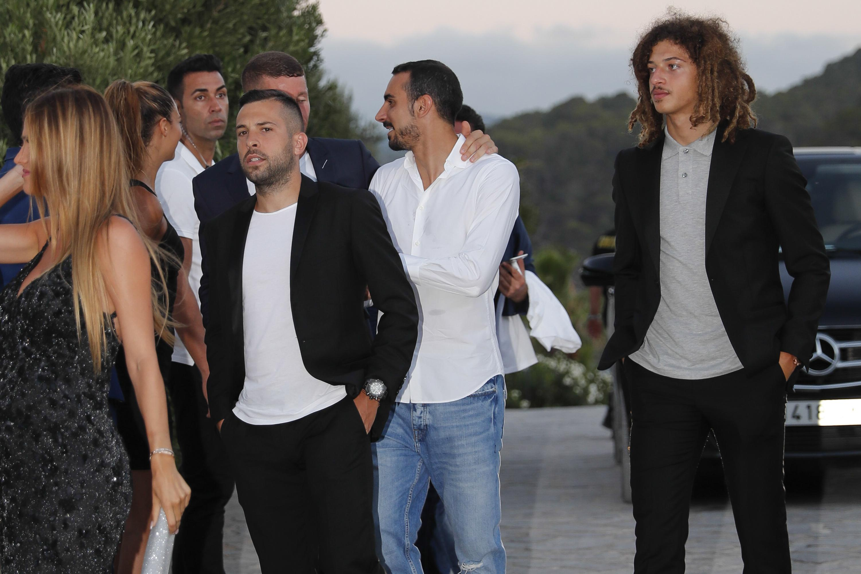 Cesc Fabregas' former Barcelona team-mates meet up with his Chelsea pals in Ibiza
