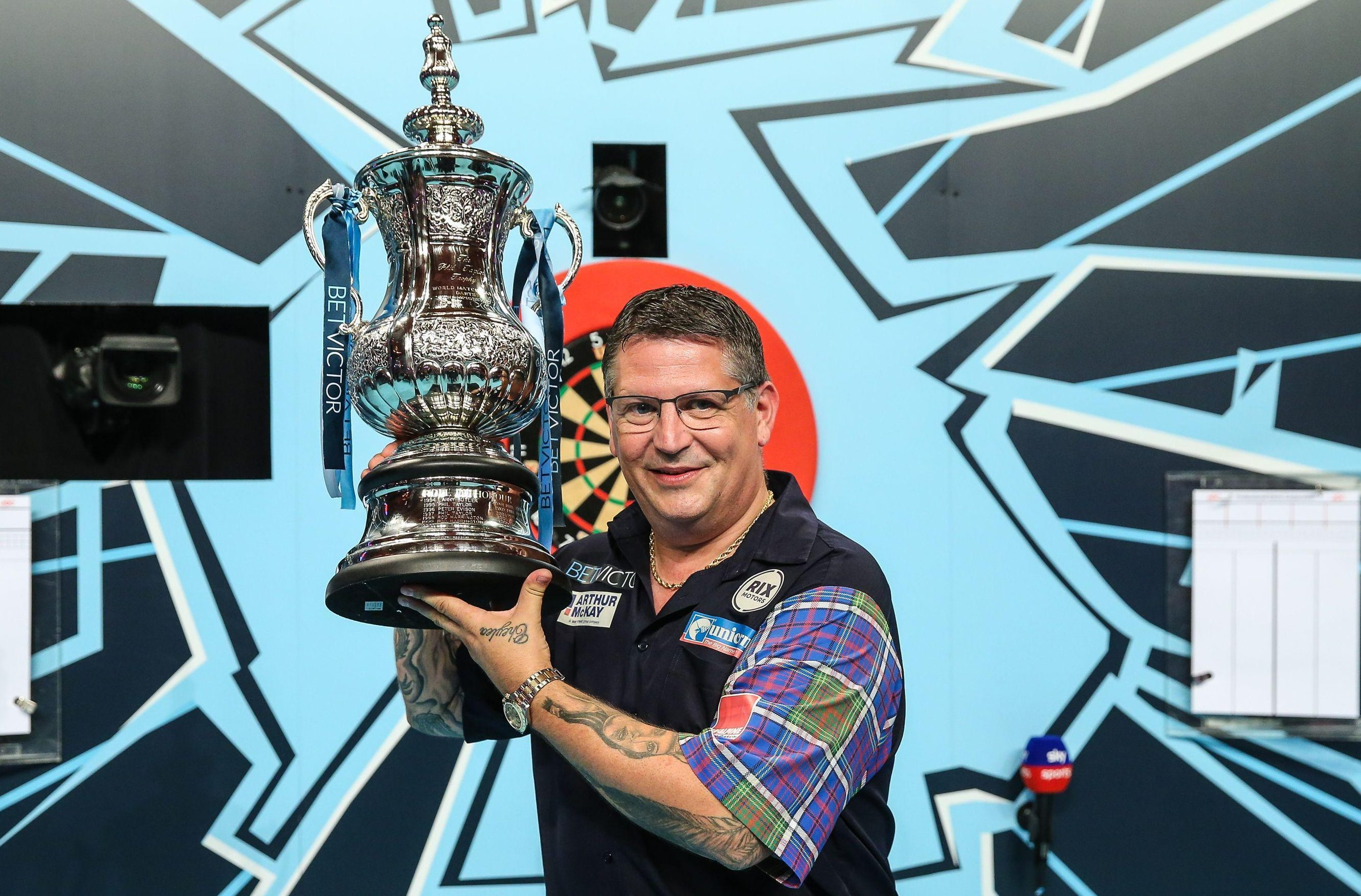 Gary Anderson has won the inaugural Phil Taylor trophy