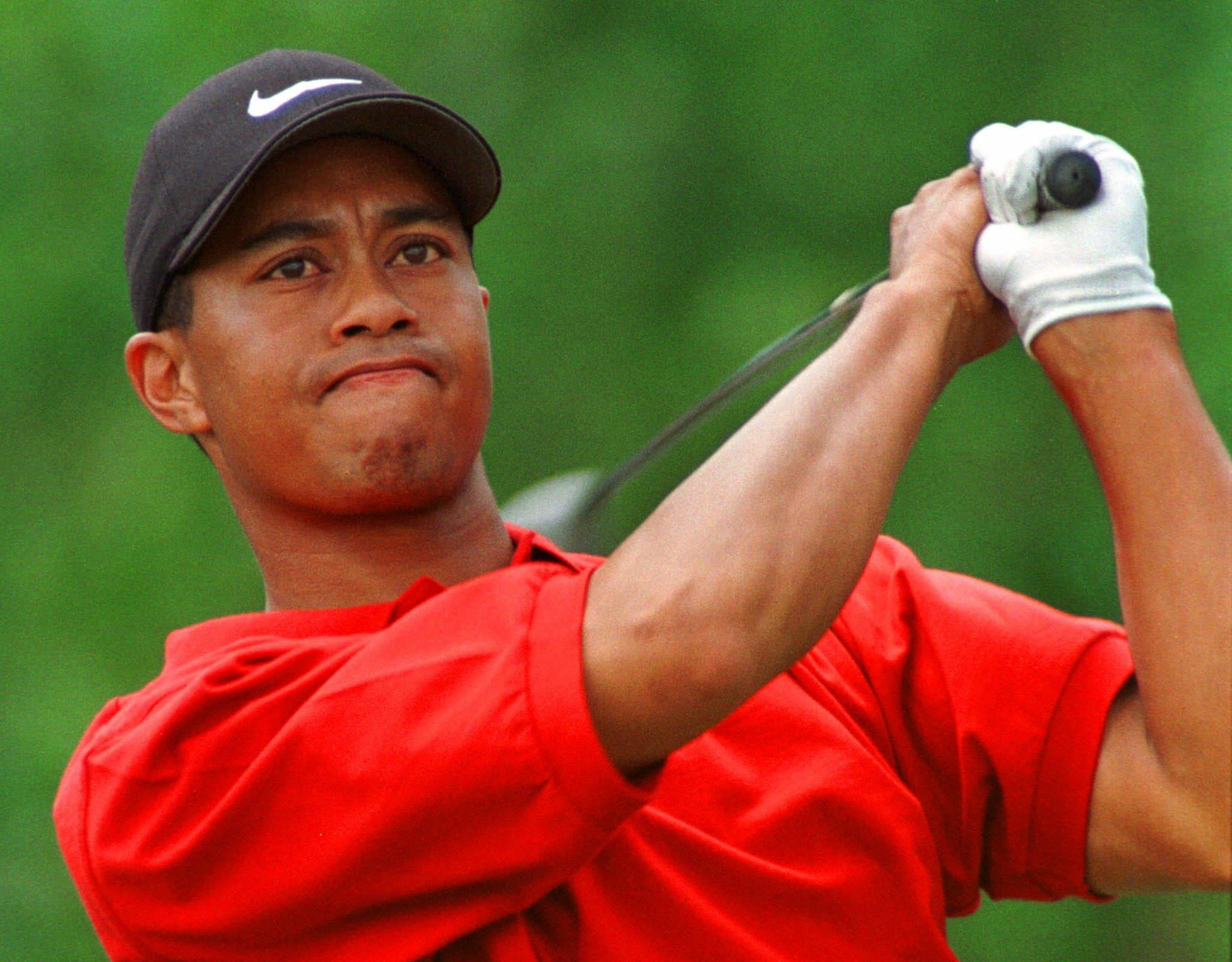 His tradition of wearing red on Sundays became known to everyone following his win in the 1997 Masters