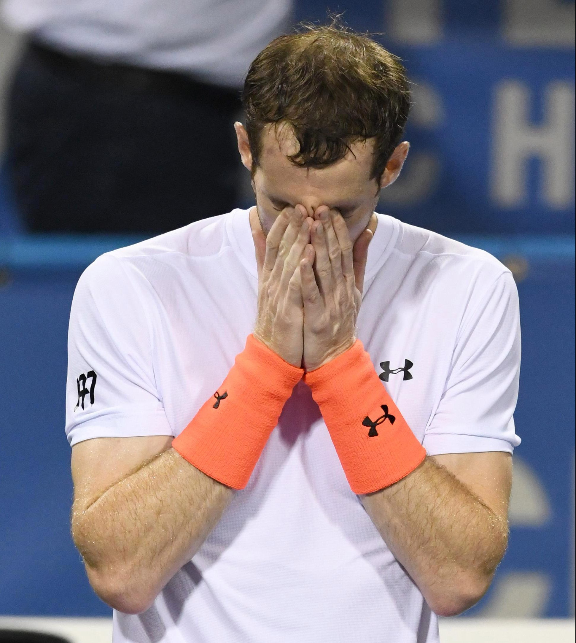 Andy Murray broke down in floods of tears at the end of a marathon three-set win over Marius Copil