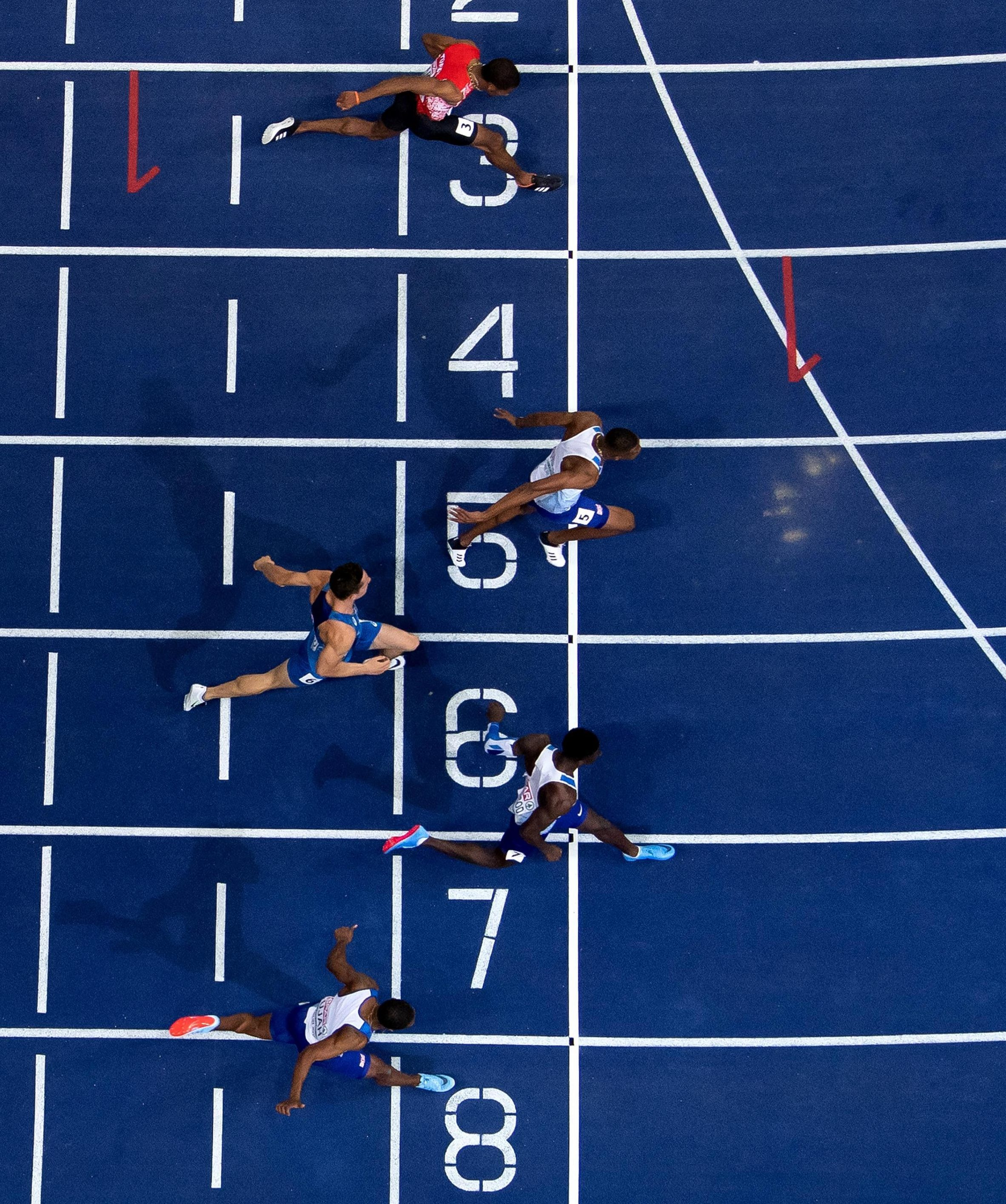The finishing photos showed how close the two Brits were to each other in the end