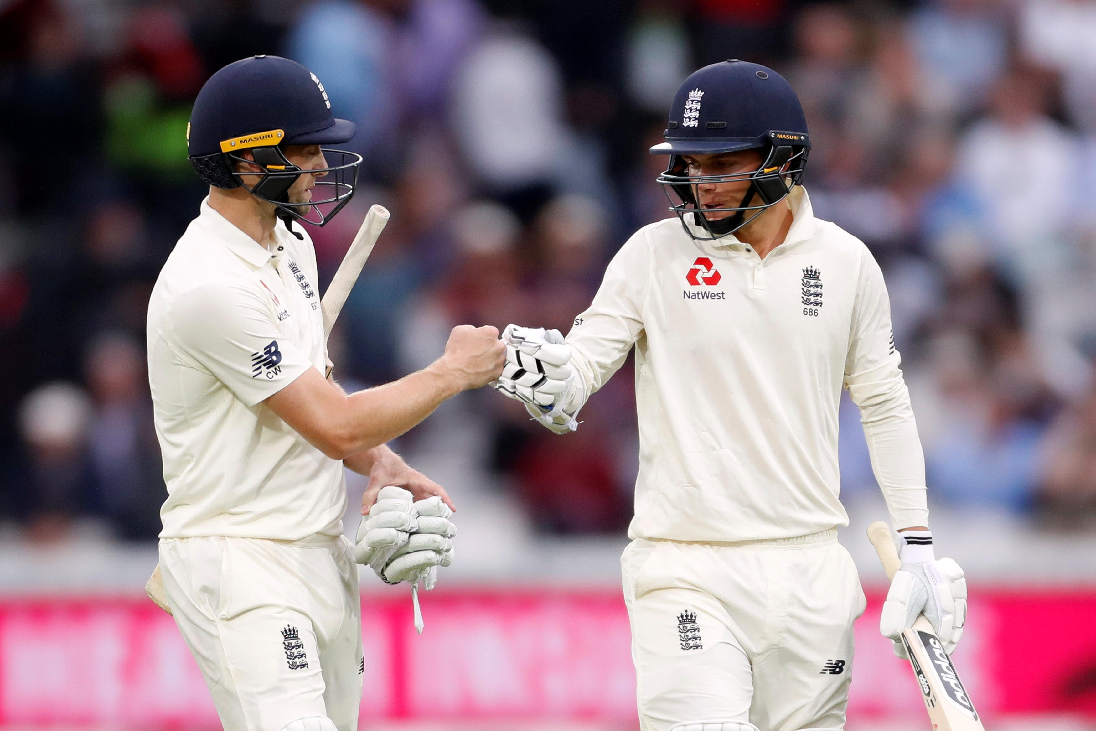 Curran and Woakes ended the day in the middle together, with Curran on 22 and Woakes on 120