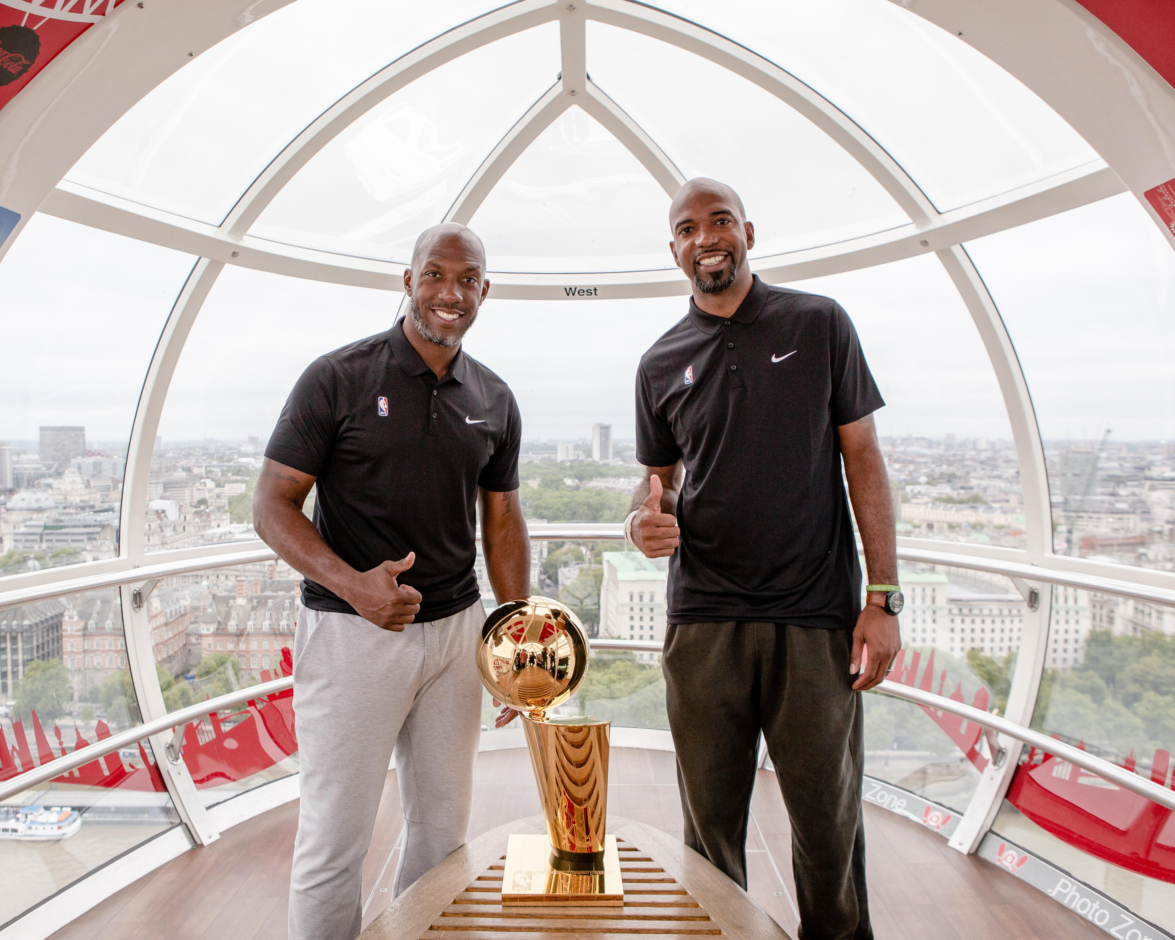 Hamilton and Billups took a trip on the London Eye with the Larry O'Brien trophy