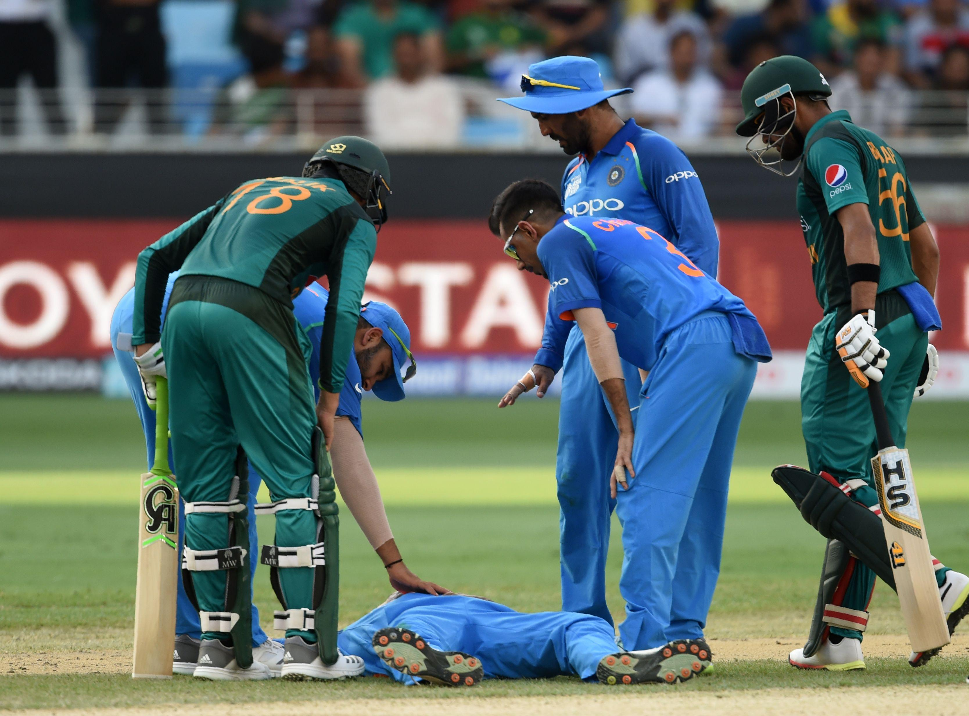 Pandya fell to the ground during the 18th over in India's match in the Asia Cup