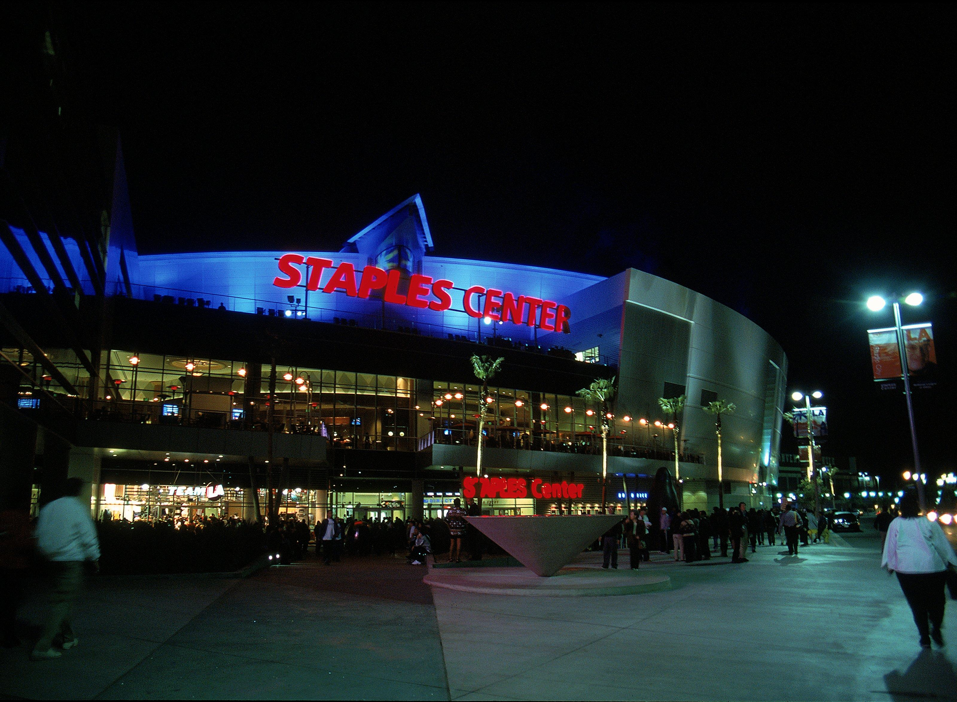 Wilder's WBC title bout against Fury will take places at the Staples Center in Los Angeles
