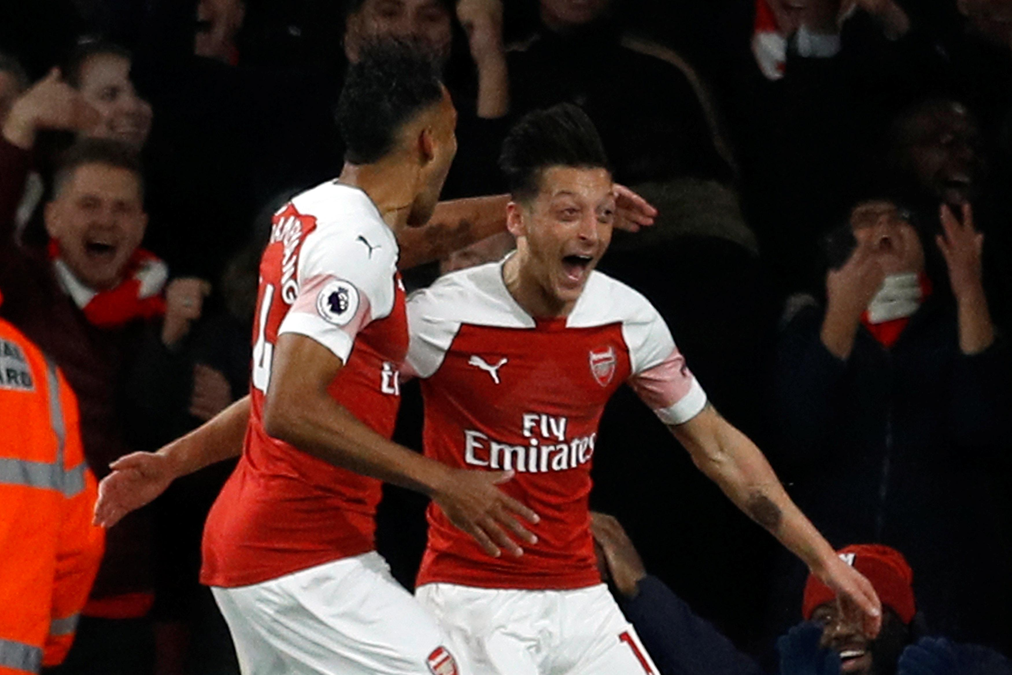 Brilliant Ozil combined magnificently with Pierre-Emerick Aubameyang against Leicester