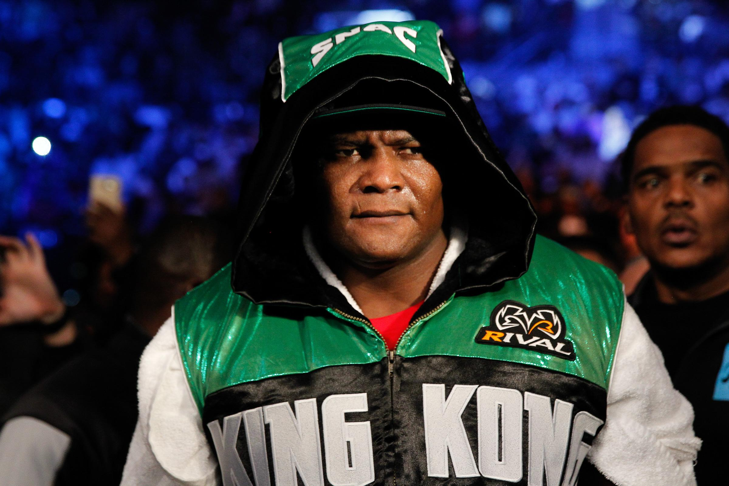 Luis Ortiz takes on Travis Kauffman on the Fury vs Wilder undercard