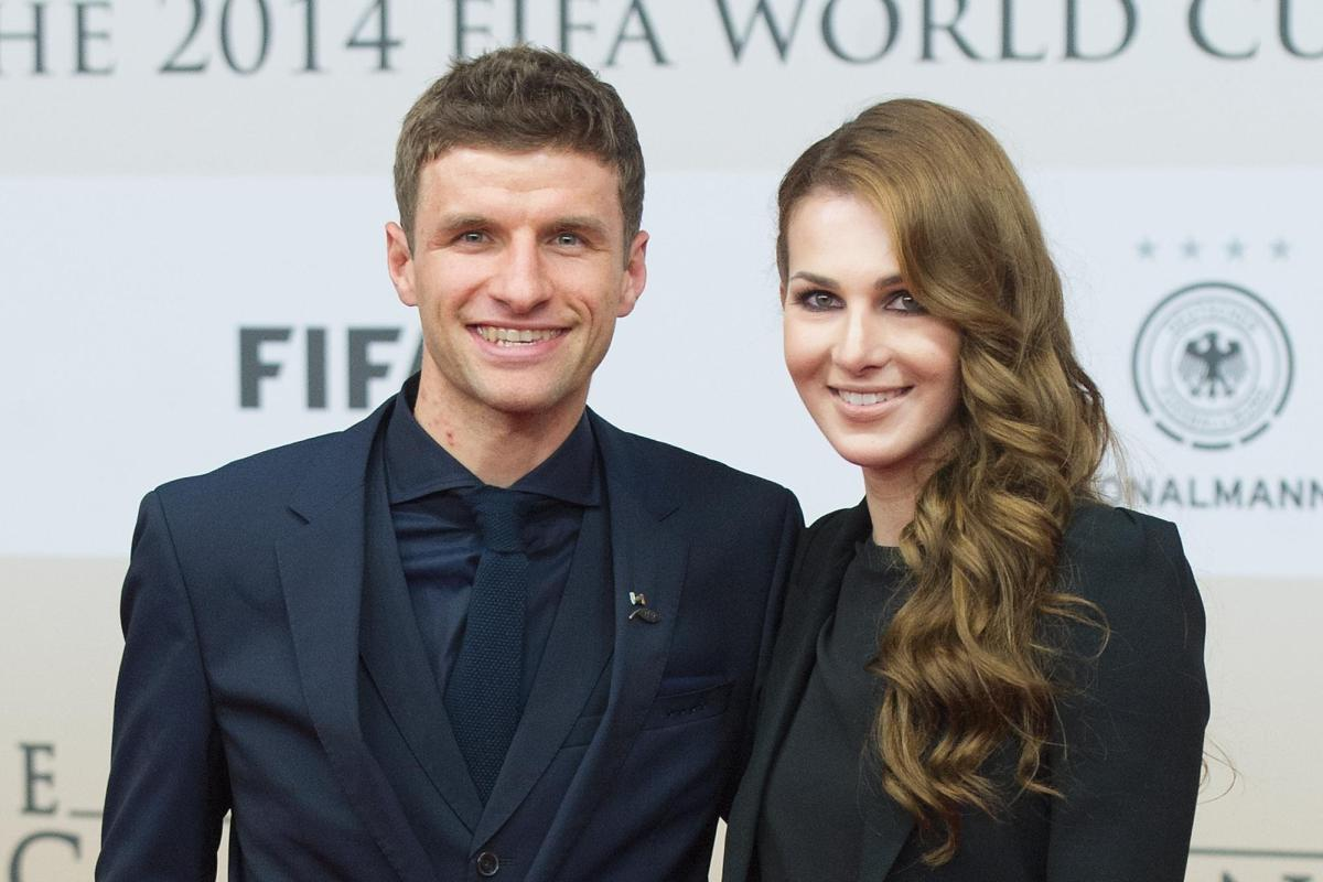 Thomas Muller's wife Lisa removes every photo of her and Germany star from  Instagram after publicly slamming Bayern Munich boss Niko Kovac
