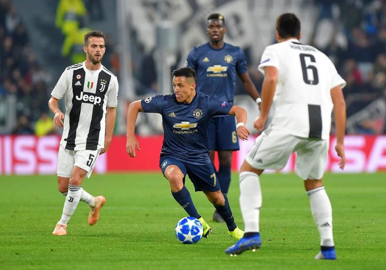 Alexis Sanchez has looked more at home as the central forward in Manchester Uniteds attack in the last two games