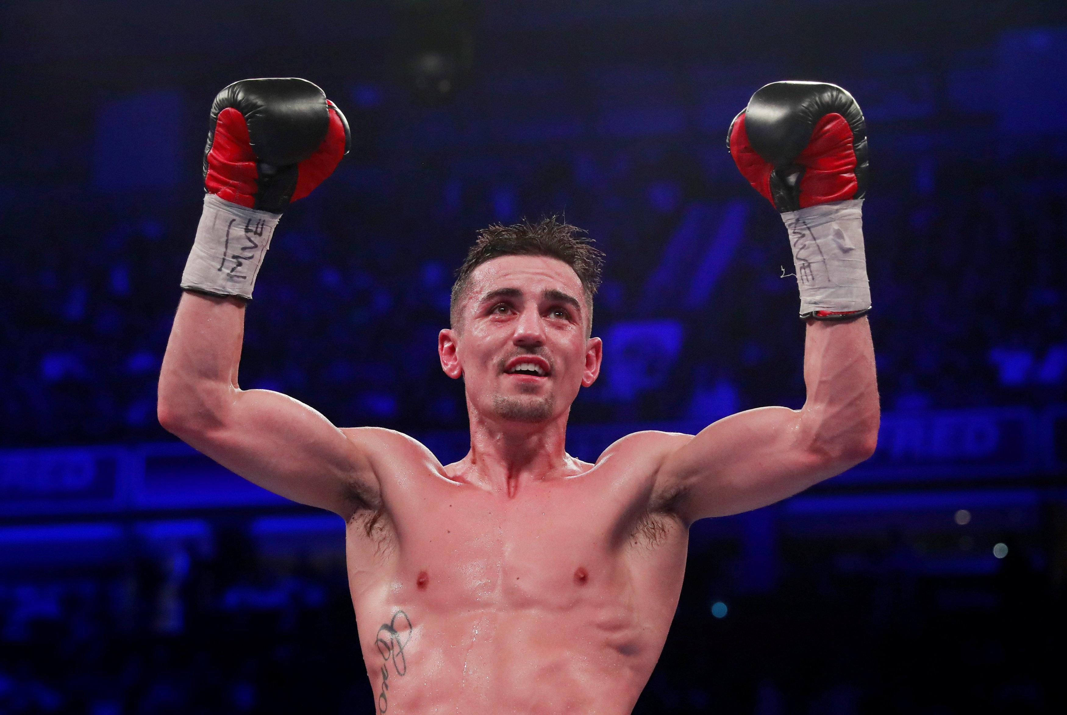 Anthony Crolla could be close to sealing a sensational deal to fight Vasyl Lomachenko for the world title