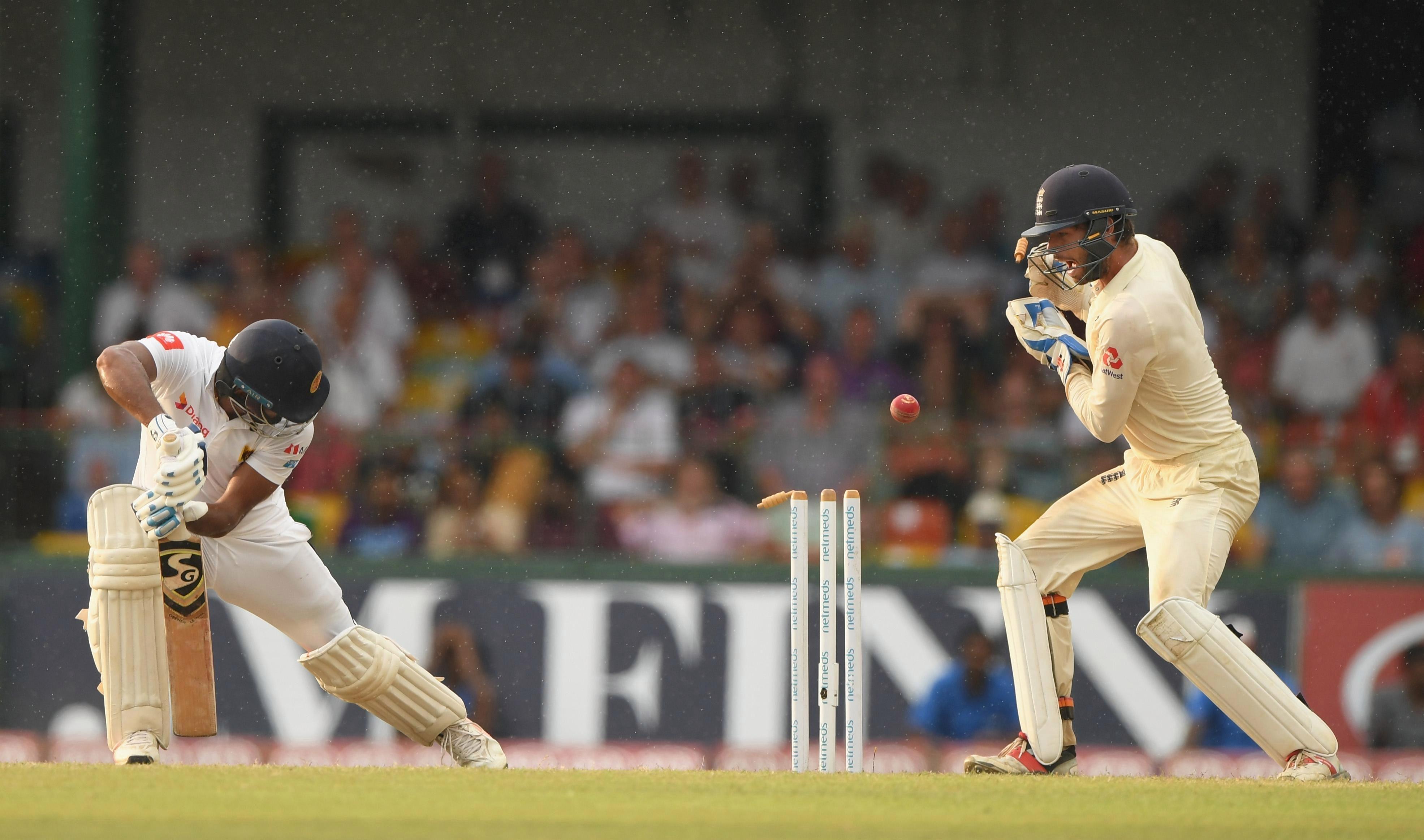 England rattled through Sri Lanka's top order late on day three