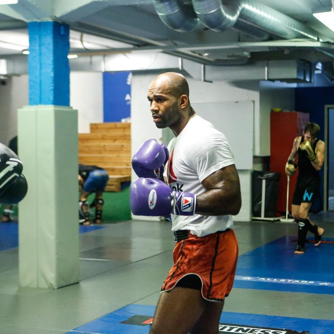 The Londoner claims he was in talks to fight Haye in London at the O2 Arena