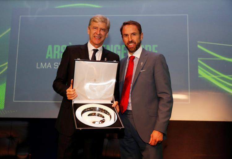 Gareth Southgate presents Arsene Wenger with LMA