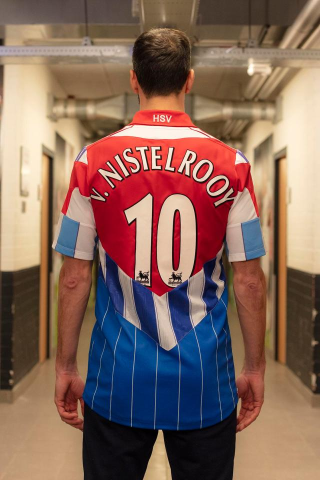 The shirt featured all the clubs Van Nistelrooy played for during his career