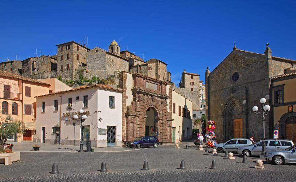 Bolsena is full of shops which specialise in local wine and food