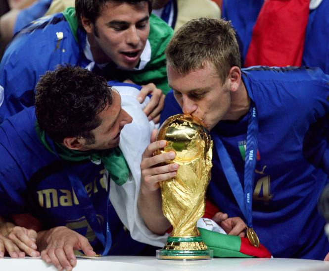 De Rossi placed his World Cup winners medal in Lombardis coffin at his funeral