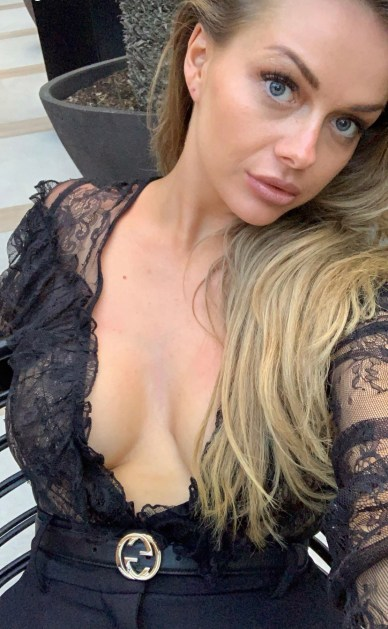 Bildergebnis für Mom Of Two Booted Out Of Flight For Revealing Too Much Cleavage (Photo)