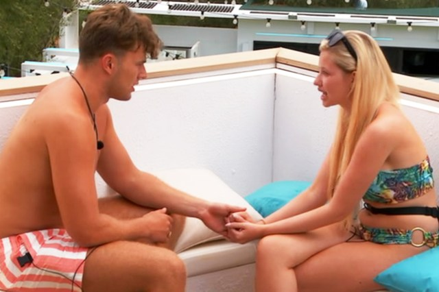 Amy made the brave decision to leave the villa and told Curtis that she wanted him to be happy