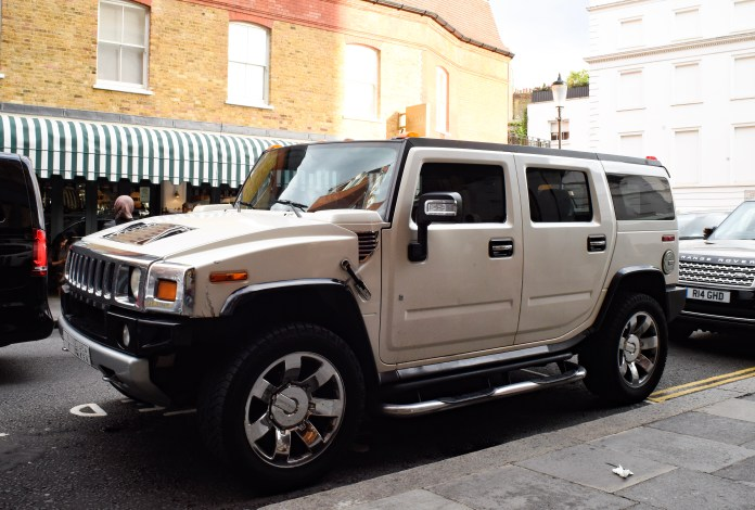 This mighty hummer H2 was an easy target for the traffic wardens