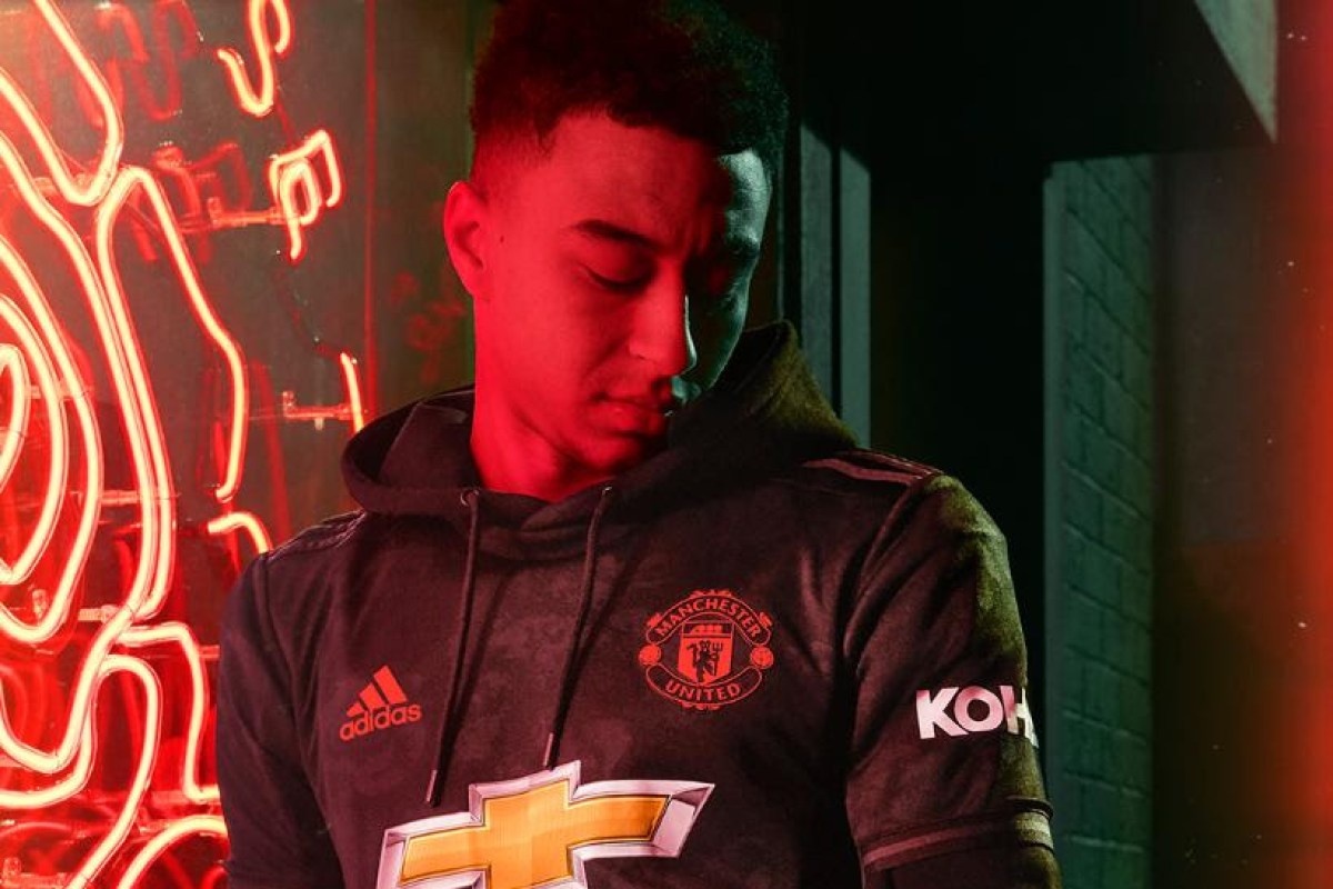 the latest ab46b db459 How much is Man Utd 2019/20 third kit and where can I buy it ...