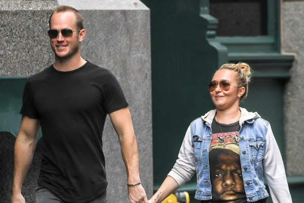 Hayden Panettiere Holds Hands Boyfriend Brother Nyc