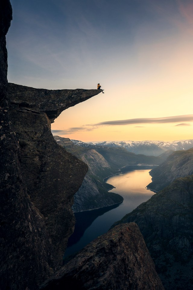 This knock-out snap was taken in Trolltunga, Norway