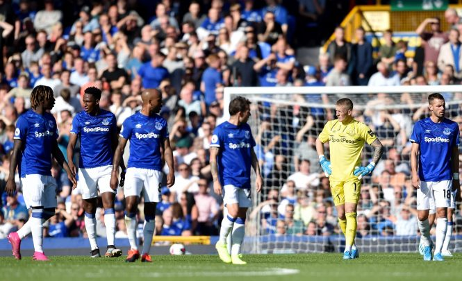 Silva has to find a way to get his expensively assembled Everton team playing well