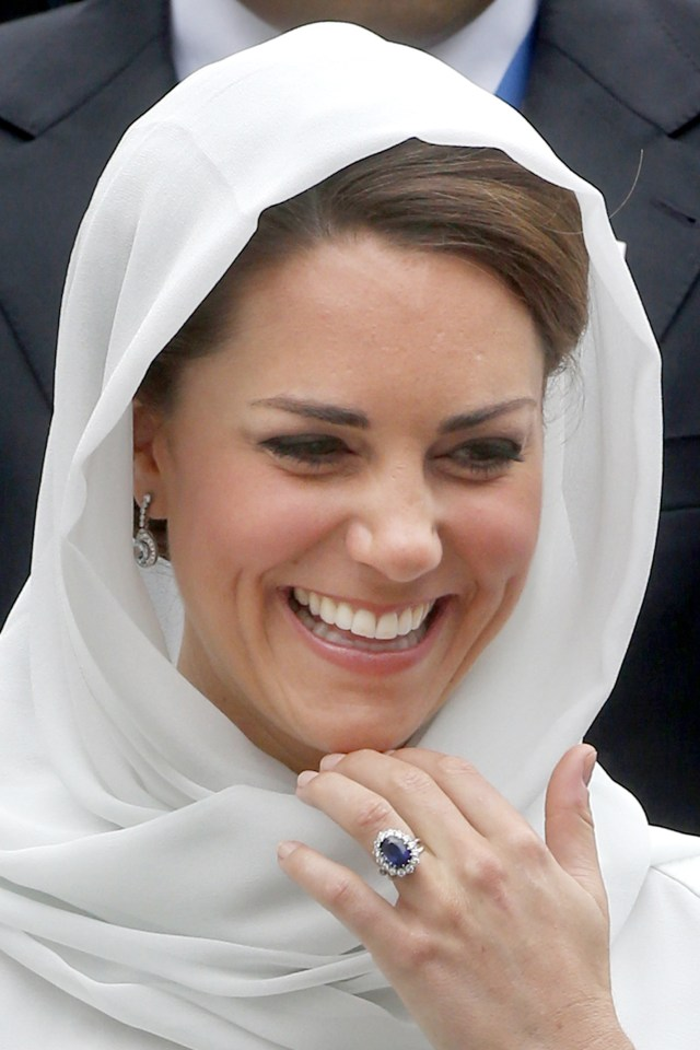 Kate Middleton previously wore a headscarf while visiting the Assyakirin Mosque in Kuala Lumpur in 2012