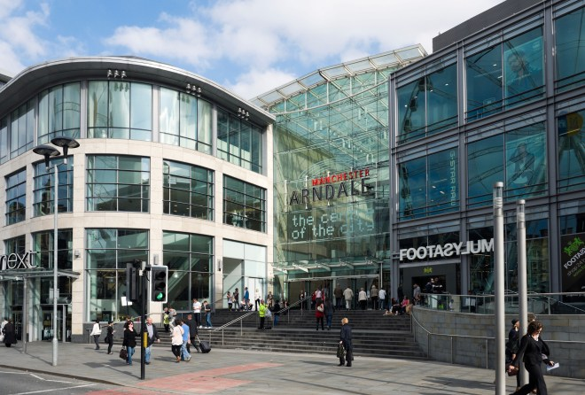 Police rushed to Arndale centre this afternoon