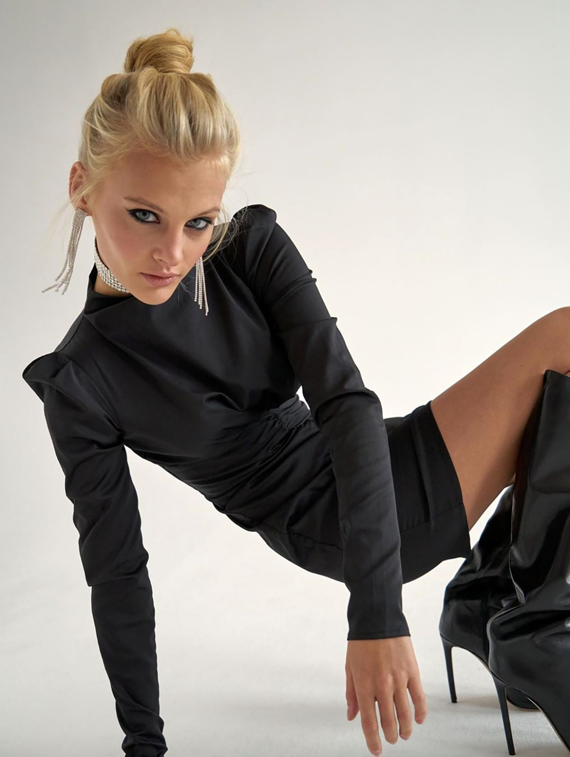 Model Ksenia Puntus, 21, was found in the center of Moscow with broken legs, ribs and undressed