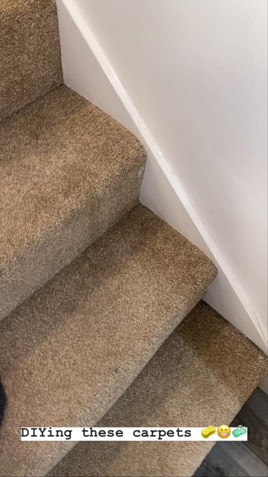 Savvy Woman Reveals How She Dyed Her Stairs From Brown To Grey In   Beige Carpet On Stairs   Pattern   Dark Beige   Nice   Bound Edge   Hardwood Transition