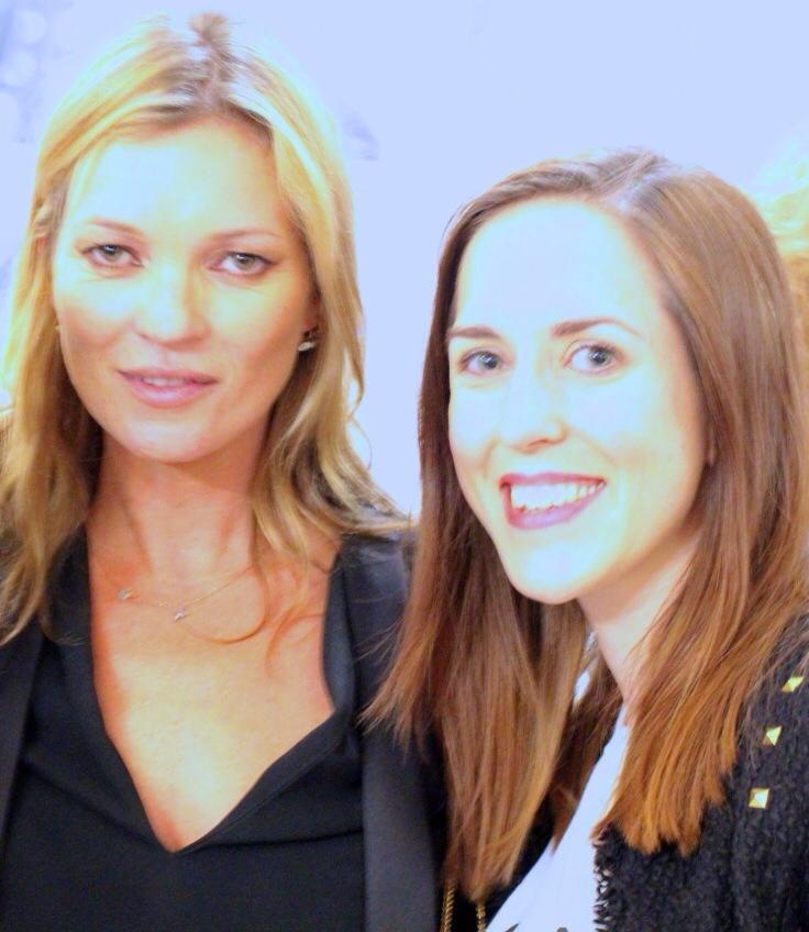 Kayleigh a travaillé sur des campagnes de beauté avec Kate Moss dans sa carrière dans les médias sociaux