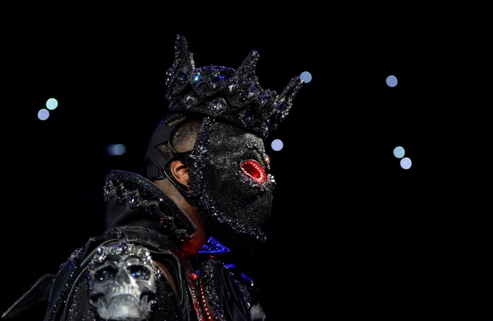 Deontay Wilder wore a mask complete with glowing red eyes for his ring walk