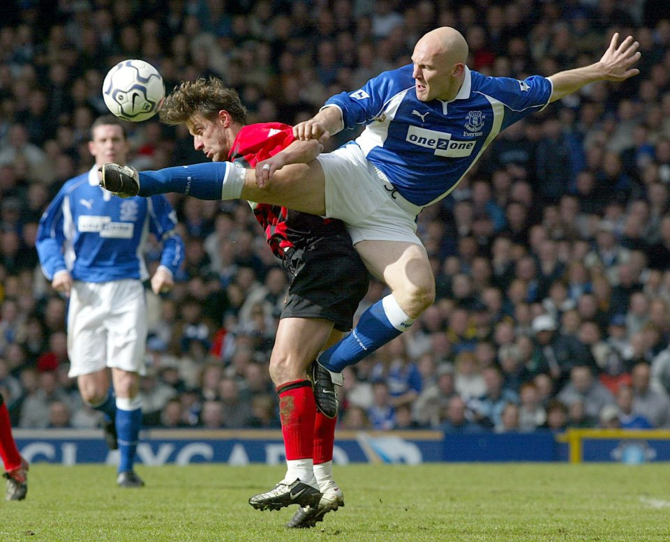'Mad Dog' Thomas Gravesen started in midfield for Roo's debut