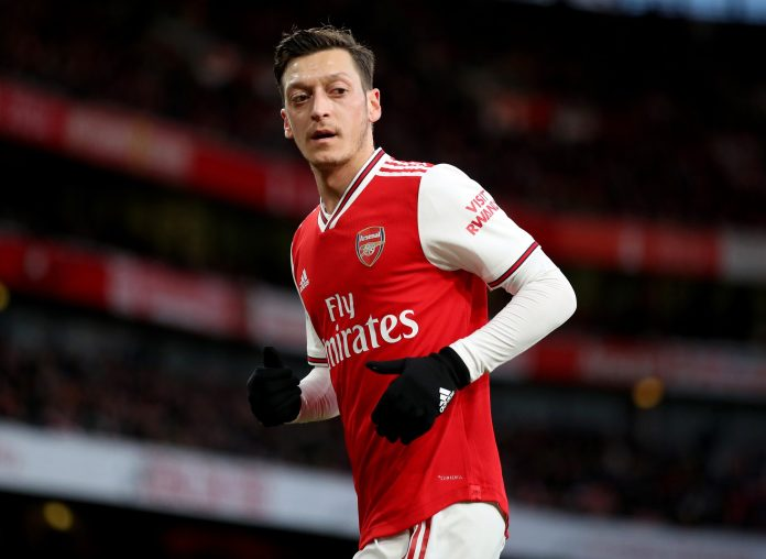 The agent of Arsenal, the ace of Mesut Ozil, would have advised him not to reduce wages, the big clubs being better placed than they suggest.
