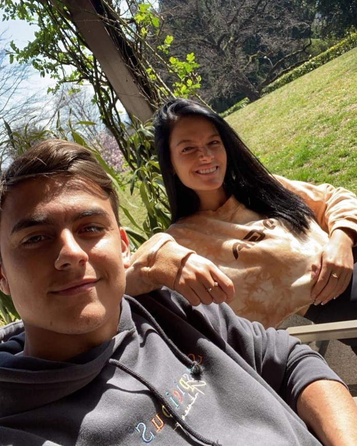 His girlfriend Oriana Sabatini confirmed on April 3 that a follow-up test had always shown him that she was positive at Covid-19