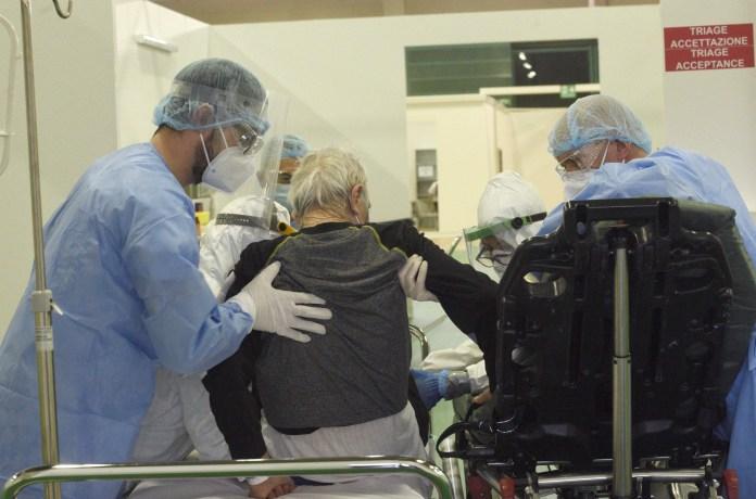Field hospital built for coronavirus in Bergamo has started operations